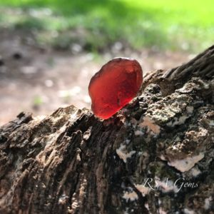 Malawi Garnet rough, colored gemstones