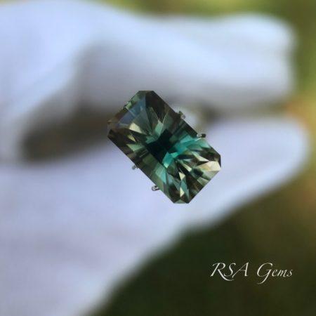 Bluegreen Oregon Sunstone